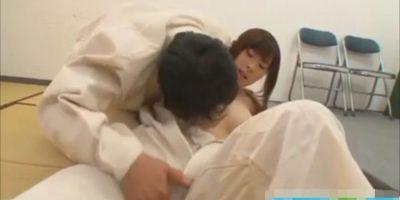 柔道の寝技稽古がいつの間にか女の子がチンコを抜いていく展開に!