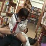 【成海うるみ】図書館で発情した女子校生が騎乗位素股で快進撃