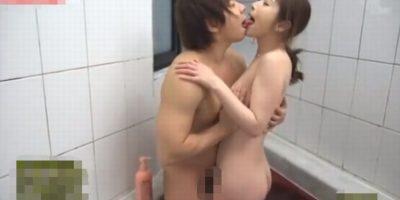 【佐々木あき】美人ママと一緒にお風呂、そして立ち素股で気持ち良くしてくれた