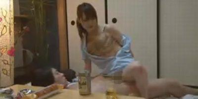 酒に酔わせた熟女整体師に素股をお願いしたらやってくれた