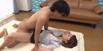 【高山えみり】素股でセックス練習のはずが、オマンコ挿入されそのままセックスへ・・・