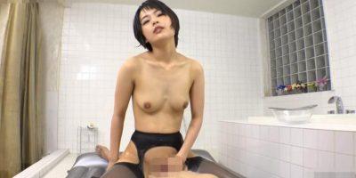 黒髪ショートヘアの泡姫と素股プレイ【向井藍】